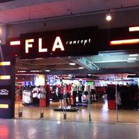 Foto tirada no(a) Fla Boutique por Alvaro C. em 6/8/2012