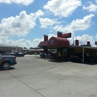 Photo taken at Mister Car Wash by akaCarioca on 9/1/2012