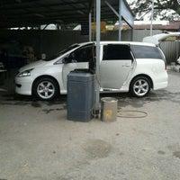 Photo taken at Esso Car Wash- Sri Gombak by kんムΐしΐス 。 on 1/28/2012