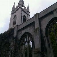 Photo prise au St Dunstan in the East Garden par Kevan D. le4/18/2012