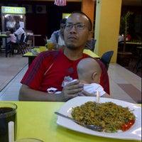 Photo taken at Restoran Muhibbah by Suaizi Z. on 11/2/2011