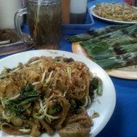 """Das Foto wurde bei Kwetiaw Sapi """"A-Chai"""" von eka w. am 2/13/2012 aufgenommen"""