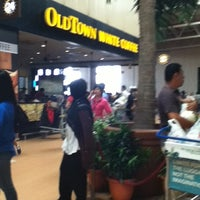 Photo taken at OldTown White Coffee by Narnia V. on 1/24/2012