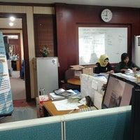 Photo taken at Bank Pembangunan Daerah Sumatera Barat by Novrio W. on 11/8/2011