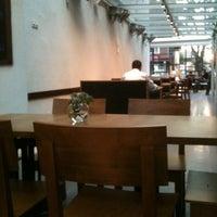 5/22/2012 tarihinde huseyin c.ziyaretçi tarafından Cafe 12'de çekilen fotoğraf
