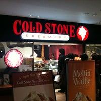 Das Foto wurde bei Cold Stone Creamery von Kinichiro F. am 1/11/2011 aufgenommen