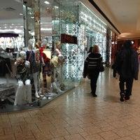 3/1/2012 tarihinde Jessie G.ziyaretçi tarafından Cherry Creek Shopping Center'de çekilen fotoğraf