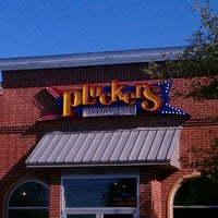 Photo taken at Pluckers Wing Bar by Joseph R. on 9/13/2011