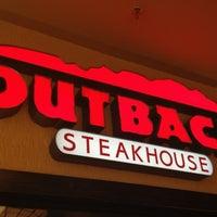 Foto tirada no(a) Outback Steakhouse por Haroldo F. em 6/13/2012