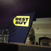 Photo taken at Best Buy by D&E Casino Services B. on 4/12/2012