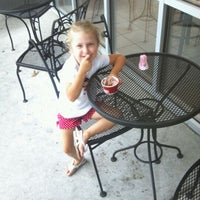 Photo taken at Cold Stone Creamery by Richard B. on 7/20/2012