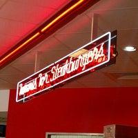 Photo taken at Steak 'n Shake by William B. on 11/30/2011