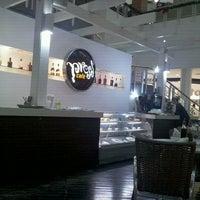 Foto tirada no(a) Press Café por Miguel M. em 12/15/2011