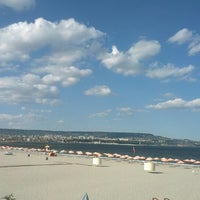 Photo taken at Плаж Аспарухово (Asparuhovo beach) by Г-н Н. on 8/28/2012