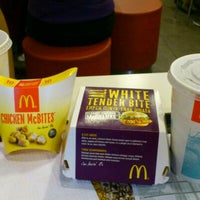 Photo taken at McDonald's by Mohamad Iqbal on 10/28/2011