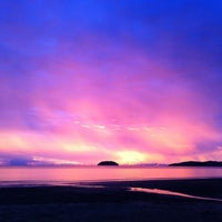 Photo taken at Tanjung Aru 1st Beach by Jelly_Paradise on 9/1/2011