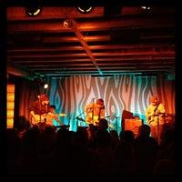 11/7/2011 tarihinde Kayvon T.ziyaretçi tarafından Doug Fir Lounge'de çekilen fotoğraf