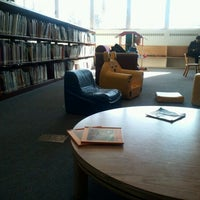 Photo taken at Wilmette Public Library by Hojin S. on 1/28/2012