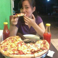 Photo taken at Gian Pizza by Jin R. on 6/20/2011