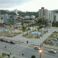 Foto tirada no(a) Praça do Sesquicentenário de Brusque por Marcos R. em 12/13/2011