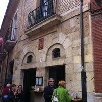 Photo taken at Restaurante Nuevo Racimo De Oro by Ferran B. on 4/23/2011