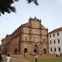 Photo taken at Basilica of Bom Jesus by Shinichiro K. on 6/10/2012