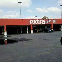 Foto tirada no(a) Extra Hipermercado por Kleber A. em 6/2/2012