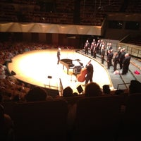 รูปภาพถ่ายที่ Boettcher Concert Hall โดย Edward L. เมื่อ 7/10/2012