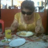 Photo taken at Restaurante La Muralla (Sucursal Jr. Junin) by Victor V. on 11/22/2011