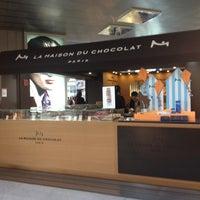 Photo taken at La Maison du Chocolat by The Mayor  of Jeddah on 6/5/2012