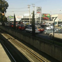Photo taken at Av. División del Norte by luis h. on 1/9/2012