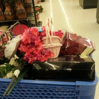 Photo taken at Hobby Lobby by Yessica A. on 12/8/2011