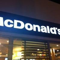 Foto tomada en McDonald's por Paloma R. el 4/27/2012