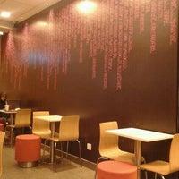 Photo taken at McDonald's / McCafé by yvette l. on 1/23/2012