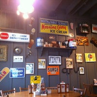 Photo taken at Cracker Barrel Old Country Store by Tirso M. on 3/28/2011