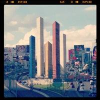 Foto tomada en Torres de Satélite por Eddie E. el 6/25/2012