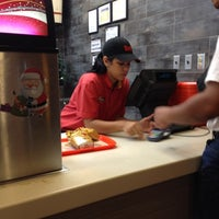 Photo taken at Wendy's by Joelo T. on 12/18/2011