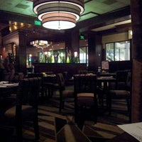 Photo taken at McCormick & Schmick's by Guille I. on 8/8/2012