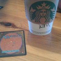 Das Foto wurde bei Starbucks von Jorey B. am 2/25/2012 aufgenommen