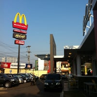 Photo taken at McDonald's / McCafé by Satrio A. on 9/3/2011