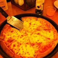 6/11/2011 tarihinde Alemar E.ziyaretçi tarafından Pizza Hut'de çekilen fotoğraf