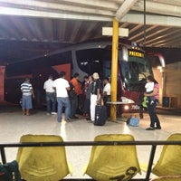 Photo taken at Central De Autobuses by Martin Alonso B. on 4/20/2012