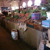 Foto scattata a Canterbury Farmers' Market da Chris D. il 2/6/2011