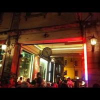 รูปภาพถ่ายที่ The House Café โดย Sera T. เมื่อ 7/17/2012