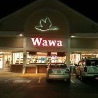 Photo taken at Wawa by Guillermo C. on 11/26/2011