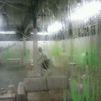 รูปภาพถ่ายที่ Shoot Paul Industries โดย Sarah R. เมื่อ 9/7/2011