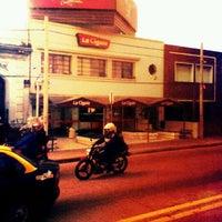 Photo taken at La Cigale by Alfredo Gabriel B. on 5/31/2012