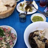Das Foto wurde bei Hummus Mashawsha von Shachar P. am 11/14/2011 aufgenommen