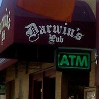 รูปภาพถ่ายที่ Darwin's Pub โดย Tamara T. เมื่อ 5/19/2012