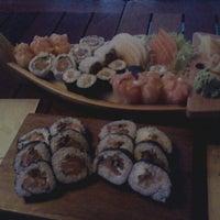 Foto tirada no(a) Restaurante Sushi Tokai por Carolina H. em 11/2/2011